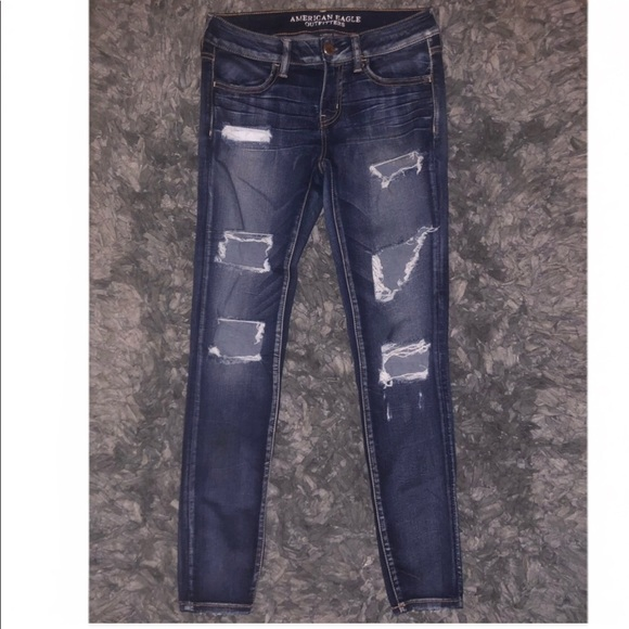 American Eagle Outfitters Denim - American Eagle size 6 distressed skinny jeggings